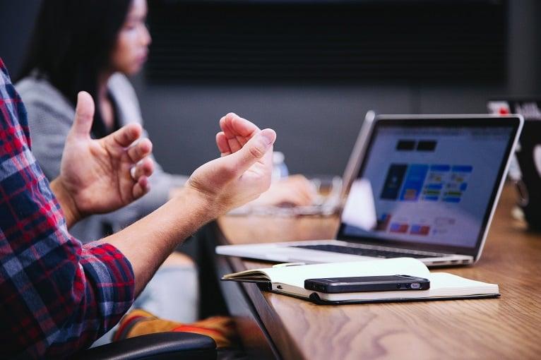 modern-meeting-room-tech-cancom